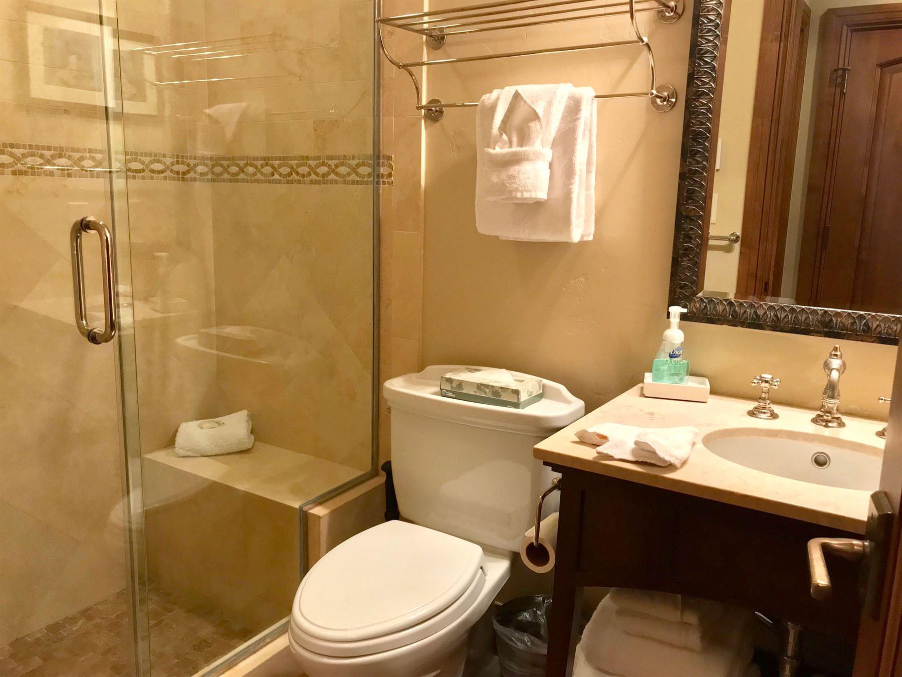 4BR_Plat_guest bath