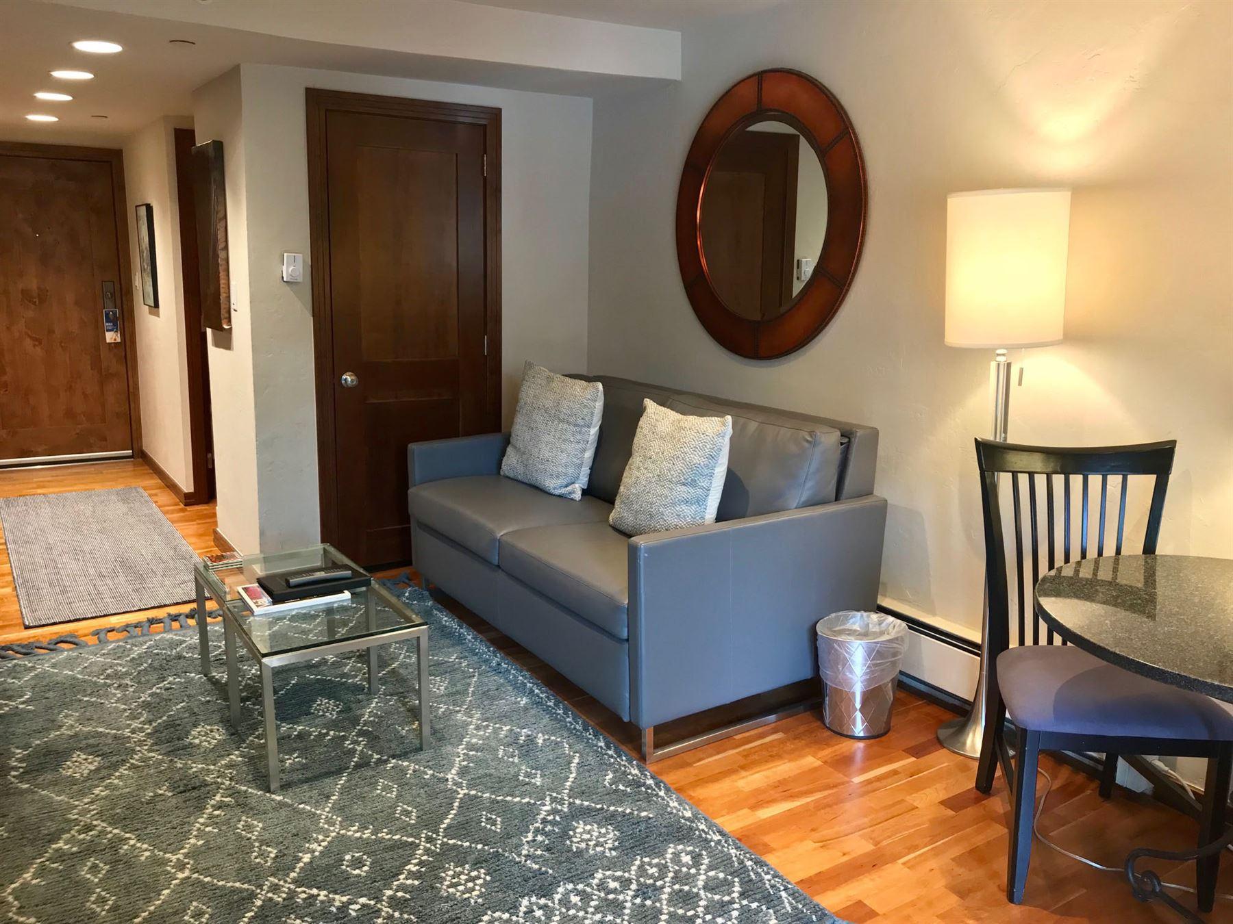 Studio_Plat_Living room_sofa